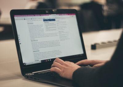 10 tips för att skriva blogginlägg som tar sökmotorer med storm